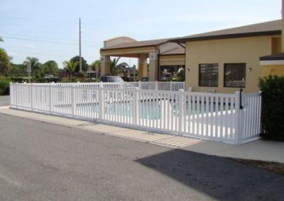 Comfort Inn Eutis, FL - Vinyl Fence - Fence It - orgcw20190805 1