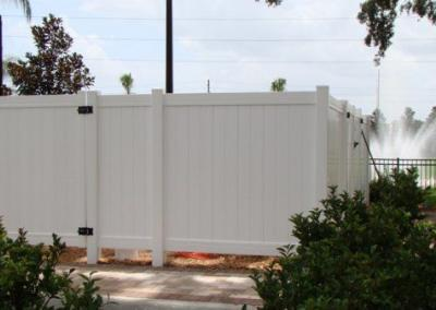 Holiday Inn Express Apopka, FL - Vinyl Fence - Fence It - orgcw20190805
